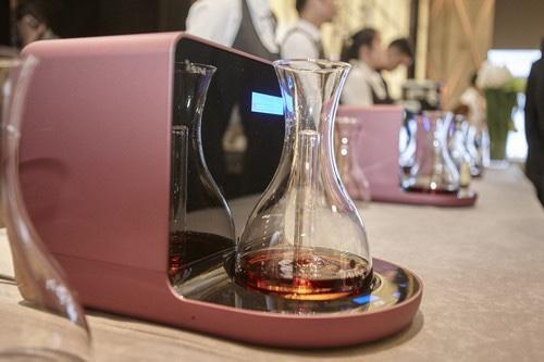 Carafe nouvelle technologie<br><b>Lancement international d'iSOMMELIER</b>